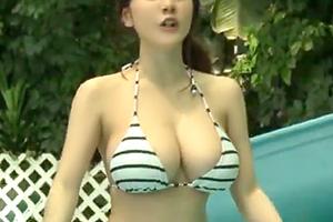 市民プールに来てたHカップ美女をダメ元でナンパした結果wwww