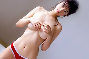 馬場ふみか 全身パーフェクトな美少女モデルの際どい手ブラ!