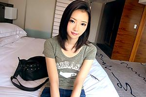 【募集ちゃん】透き通るような美しいスレンダーボディの女子大生の画像です