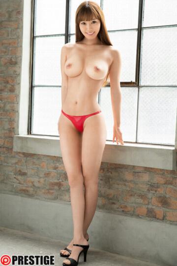 新人 プレステージ専属デビュー 黒川サリナ
