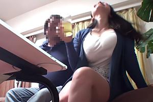 【人妻ナンパ】笑うとおっぱいも揺れる爆乳肉厚妻の連れ込み成功!