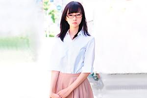 上杉玲奈 有名大学の理系女子がAV出演。クールそうに見えて実は・・・