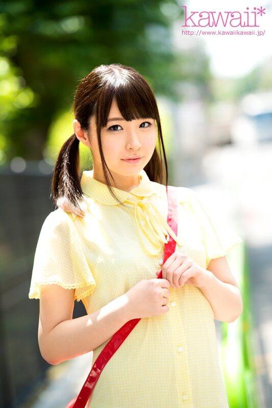 姫野あやめ 18歳の無毛少女はじめてのAV撮影でいきなりごっくんドM覚醒デビュー
