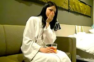 【個人撮影】男が夢中になる締まりマンコと可愛い少女のような乳首の画像です