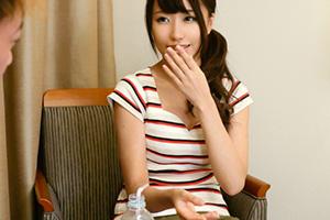 【カンバン娘】本屋でバイトする美人看板娘(20)をAV出演させたSEX動画 in練馬