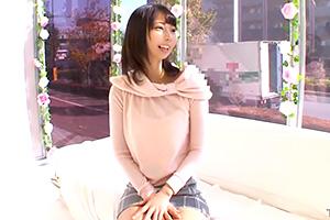 【マジックミラー号】ズボリッ!素人女子大生をインタビュー中に即ハメ!