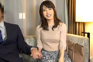 【素人ナンパ】働く人妻OLが謝礼のために会社の上司と不倫SEX
