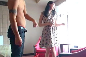 【素人ナンパ】フリフリの服と下着が可愛い浜松美少女
