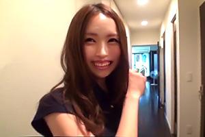 長瀬涼子 結婚7ヶ月の新婚妻の自宅に突入して背徳ハメ撮り
