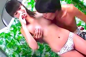 【素人ナンパ】乳首舐めされても歯止めが効かない水着ギャルが本番まで