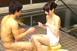 【姉弟混浴】「姉ちゃん美乳だな…」スレンダー巨乳の姉の裸に興奮!