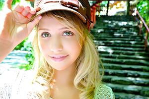 ミア・楓・キャメロン 北欧出身の金髪美女にJKコスプレをさせてハメ倒す!