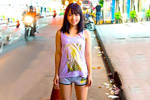一切スレてない純真無垢な東南アジアのロリ少女をハメる