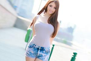 美人が多い東欧で見つけた極上の白人美少女をAVデビューさせる日本の有能AVメーカー