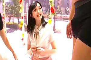 【マジックミラー号】声が可愛いお嬢様素人に電マ責め!