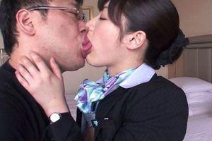 【春原未来】ちゃんがスチュワーデス制服着衣でセクロスw美人顔にCA制服が似合うwww