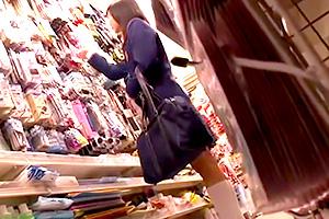 【痴漢】雑貨屋で見つけた大人しそうなJKをレイプ!