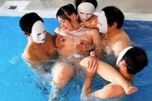 白石真琴・スポーツ系健康的美少女が男4人にネチっこく責められるw