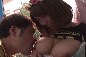岡沢リナ | 巨乳娘がMM号に乗車w半ば強制的にチ●コを握らせるw