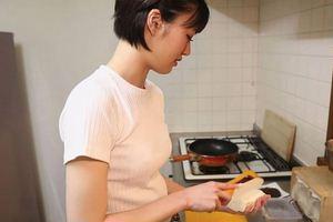 緒奈もえがもしも彼女で同棲していたら・・料理上手だし可愛いしエッチだし♪