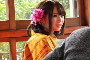 江戸娘コスプレの斉藤みゆちゃんがメチャクソ可愛い件w美乳美乳首オッパイで車内パイズリ♪