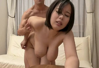 【塚田詩織】豊満ボディのむっちむち爆乳介護士が全裸でご奉仕致しますw