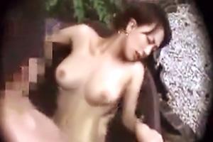 【個人撮影】色白彼女に内緒で盗撮した貸切風呂の衝撃映像・・・