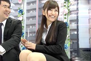 【マジックミラー号】日本一エロ~い車の中で部下の激かわOLと中出しSEX!