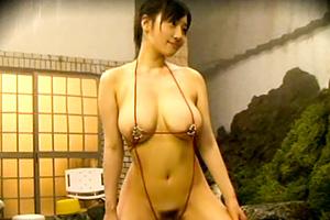 長澤あずさ スケベ水着で男湯に放り込まれたHカップ美女の末路…