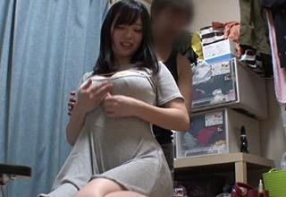 【斉藤みゆ】お持ち帰りしたむっちり巨乳な女の子を盗撮セックス。