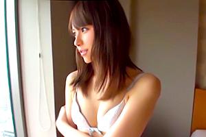 【素人】彼氏にドタキャンされたガッキー似の美少女をナンパしてハメ撮り!