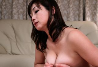 【宮部涼花】SEX激し過ぎw家に入るなり速攻乱れる巨乳熟女ww