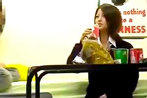 【素人連れ込み】幼い顔なのに成熟したカラダのJKのセックス隠し撮り