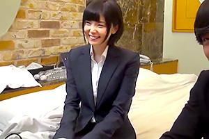 【一般男女モニタリングAV】フレッシュな新人OLと一夜限りのお泊りミッション!