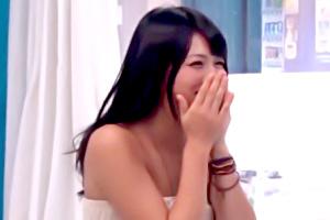 【素人ナンパ】日焼け跡のまぶしい専門学生をマジックミラー号でエロマッサージ!