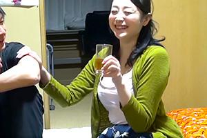 ベロベロに酔った妙に色気がある四十路熟女をガチ口説き!の画像です