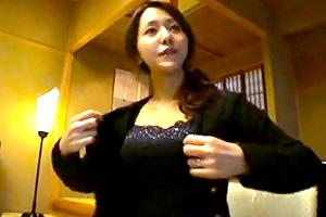 【個人撮影】乳輪デカめのリアルな34歳人妻を温泉ハメ撮り