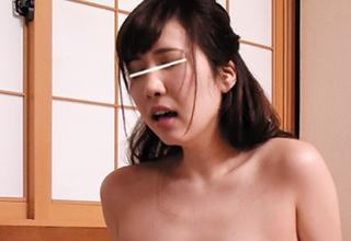 【若槻みづな】むっちりデカ尻エロお姉さんが友達の弟の童貞奪っちゃったw