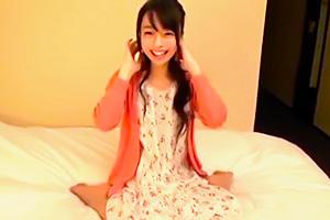 【素人ナンパ】超可愛い小柄な美少女に公開オナニーからの中出し!