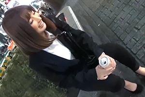 【素人】1人でハシゴ酒してる笑顔のカワイイほろ酔いOLをホテルに連れ込む