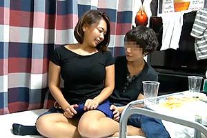 【人妻ナンパ】Hカップ巨乳熟女が部屋にやって来た!