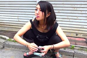 「やっべ、気持ちイイじゃん…」新宿のヤンキー娘が18cmデカチンで絶頂!