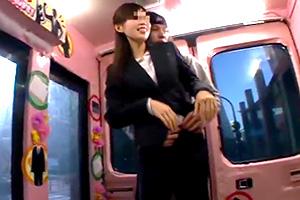 【マジックミラー号】就職の説明会帰りでリクルートスーツに身を包む女子大生をナンパ!