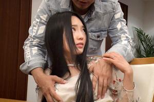 【セレブ妻ナンパ】自宅で他人棒を咥える美人巨乳奥様(25)との中出しSEX動画
