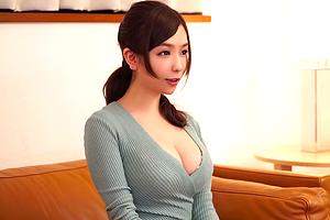 笹倉杏 「まだイケる?」聖母のような巨乳人妻が夫に内緒で童貞を筆下ろし!