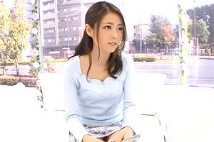 【マジックミラー号】アンニュイな雰囲気の女子大生がインタビュー中の即ハメで豹変!