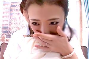 【マジックミラー号】娘の入学式を終えた美人ママが年下イケメンに寝取られる!