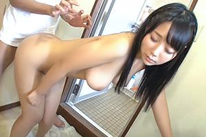 風呂上がりの娘の友達と遭遇するラッキースケベ!