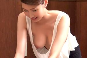 美巨乳の乳首まで丸見えのエステ嬢を見た瞬間、俺は罰金を覚悟した…