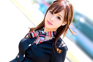 月に一度日本に来日するタイミングでAVデビューした美脚ハーフの美人CA